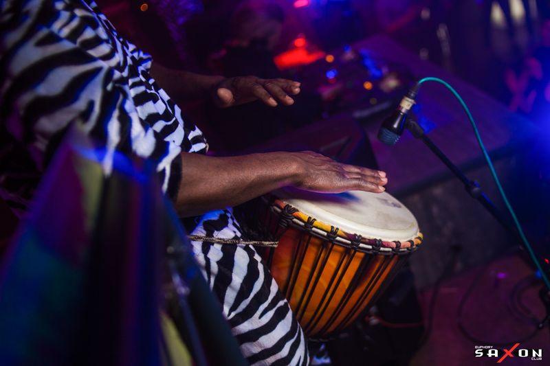 Вечеринка «Дабл Трайбл - Live Show» в клубе «Saxon»