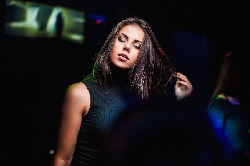 Вечеринка «Rave On» в клубе «Saxon»