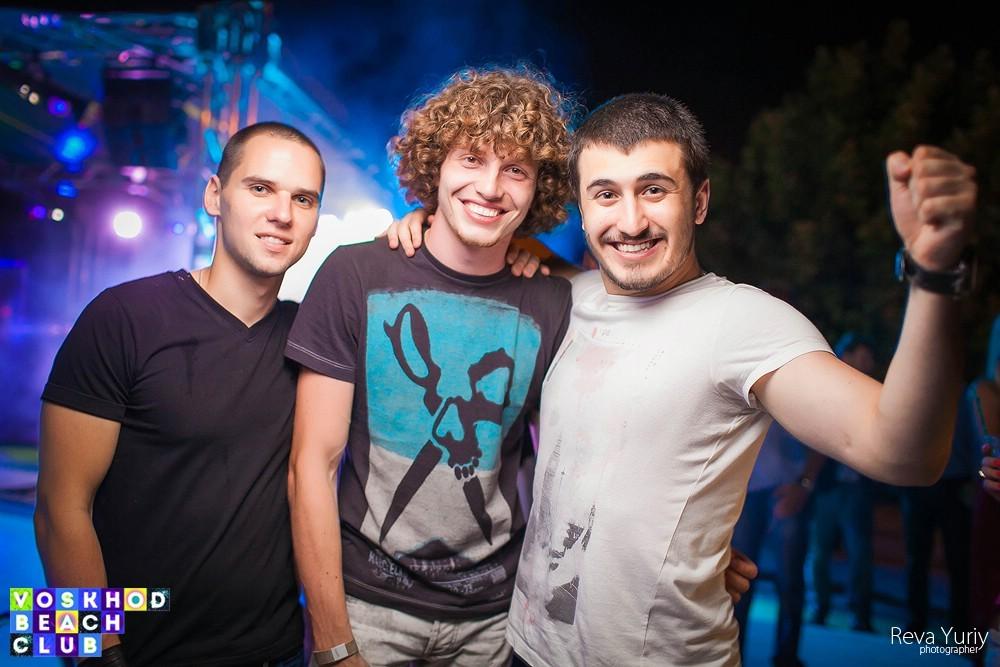 DJ Sender в Voskhod Beach Club