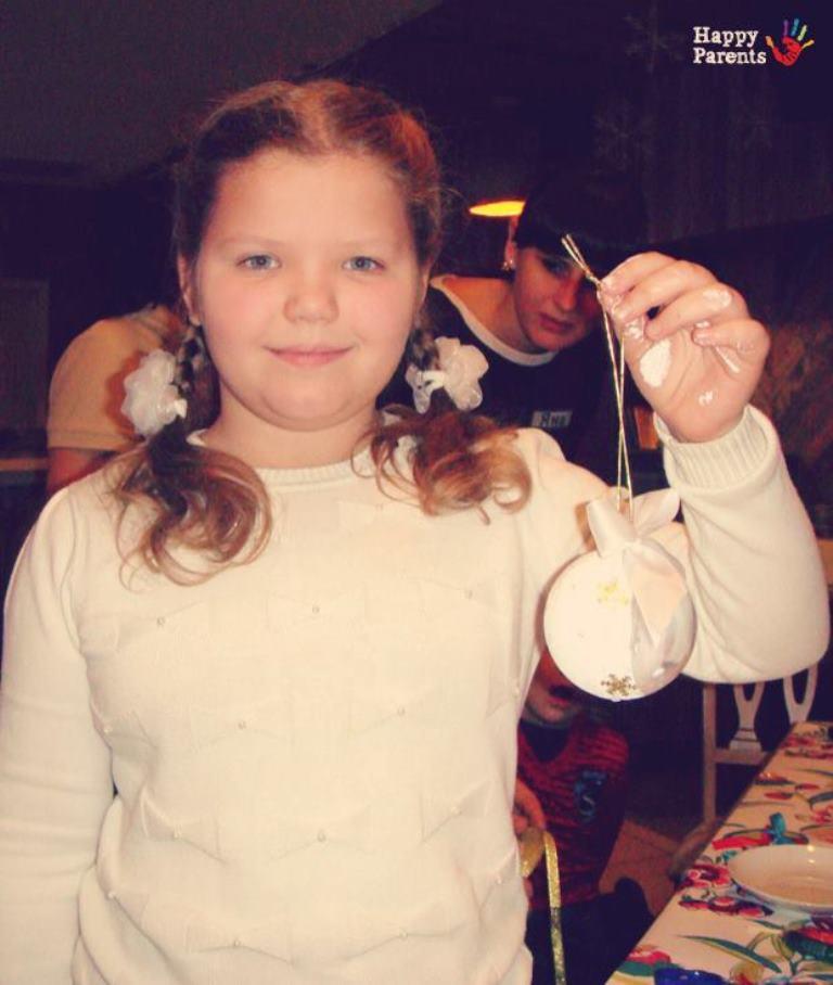 Детский мастер-класс по изготовлению новогодних игрушек в ресторане «В доску свой»