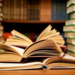 Книги, которые не успевают пылиться на полках магазинов