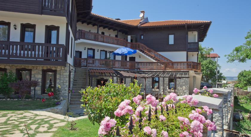 Сонячна Болгарія від «Море турів»
