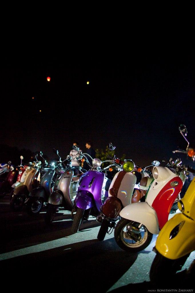 Запуск небесных фонариков от Retro Scooter Party