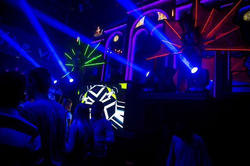 Вечеринка «LED Madness» в «Saxon»